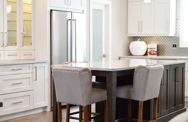 pokrowce na krzesła kuchnia